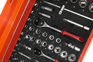 Werkzeugwagen Einlage mit Steckschlüsseln